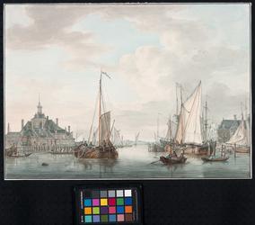 VII-398 Gezicht uit noordelijke richting op het zuidelijk deel van de Oudehaven met links de Ooster Oudehoofdpoort en ...