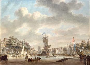 VII-399 De Oudehaven gezien vanaf of van nabij het oostelijk havenhoofd in noordelijke richting. Links de Geldersekade ...