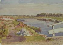 VIII-6-01-05 Gezicht op de Boezem van de Crooswijksebrug, uit het westen. Links een opslagplaats van puin tussen de ...
