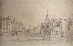 XIV-15 Van links naar rechts zijn afgebeeld: aan de Kleine Draaisteeg een groot woonhuis en het Franse Koffiehuis, ...