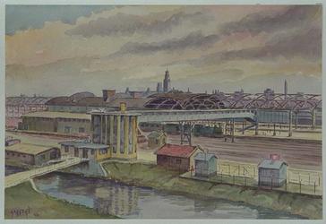 XVII-19-11 Gezicht op het station Delftse Poort aan de Stationssingel, uit het noorden.
