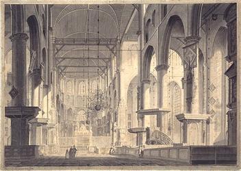 XVIII-113 Het interieur van de Grote Kerk.
