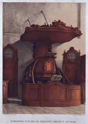 XVIII-231 De preekstoel in de Doopsgezinde kerk aan de Sint- Laurensstraat.