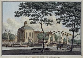 XVIII-287 De Evangelisch Lutherse Kerk aan de Wolfshoek en de Houtbrug over de Blaak.