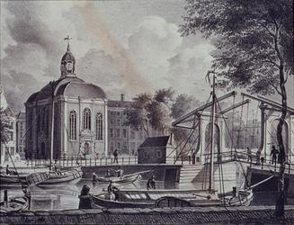 XVIII-288 Gezicht op de Lutherse Kerk aan de Wolfshoek met de Keizersbrug bij de Blaak, uit het noordoosten.