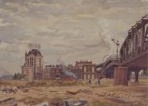 XXXIII-627 Wederopbouw op het gedempte terrein van de Kolk. Op de achtergrond huizen aan de Wijnstraat met het Beursstation.