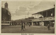 PBK-10356 Het Beursgebouw links en rechts station Beurs aan het Beursplein.