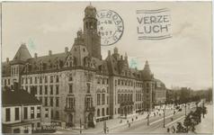 PBK-10634 Het stadhuis en het postkantoor aan de Coolsingel.