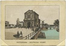 PBK-10695-2 De Delftse Poort met op de achtergrond rechts de Schiebrug en daarachter molen De Haas aan de Schie, op de ...