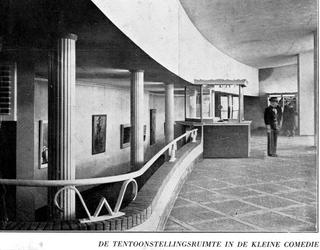 1968-2155 Bioscoop Cineac en theater Kleine Komedie in de Beurs aan de Coolsingel.Van boven naar beneden afgebeeld:-1: ...