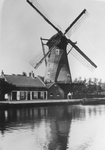 1969-262 Hoekmolen aan de Spangesekade bij de Delfshavense Schie. De Hoekmolen is in 1913 afgebroken.