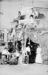 1972-1220 Opname in een fotografisch atelier van een tentoonstellingsstand van de firma A. Driessen Cacao en Chocolade. ...