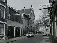 1974-1065 De Waterloostraat, gezien vanaf de hoek met de Oudedijk.