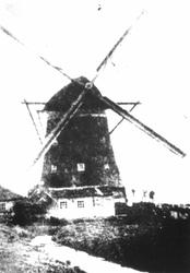 1975-921 De Spaanse Molen, de poldermolen van de Spaansepolder aan de Delfshavensekade/Delfshavense Schie.