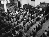 1976-2130 Kerk aan het Putseplein in gebruik als moskee.