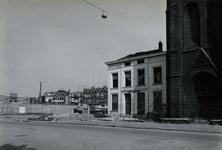1978-1643 Jeugdhuis 't Stoepje , uit 1871 naast de rooms-katholieke kerk de Allerheiligste Verlosser, uit het zuiden.
