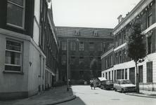 1978-1674 De Koepelstraat, gezien vanuit de Spiegelnisserkade.