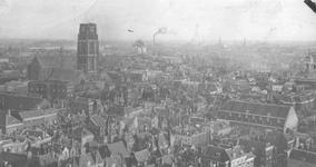 1978-2769 Gezicht op de Meent met omgeving, gezien vanaf de stadhuistoren, vanuit noordwestelijke richting. Links de ...