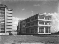 1978-3523 Kantoorgebouw aan de sportveldzijde, Van Nelle fabriek aan de Van Nelleweg nummer 1.