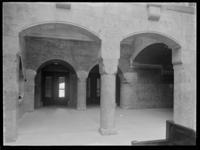 1978-3652 Interieur van bank R. Mees en Zonen aan het Beursplein (vanaf 1942 de Blaak). De hal met links de portiersruimte.