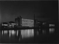 1978-3671 Nieuwe fabriek van Erven wed. J. van Nelle aan de Van Nelleweg nummer 1, Delfshavense Schie in Overschie. ...