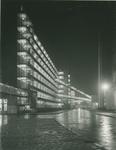 1978-3677 Kantoor en fabrieksgebouwen van Van Nelle aan de Van Nelleweg nummer 1, bij avond.
