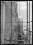 1978-3697 Uitzicht vanuit een van de trappenhuizen van de Van Nellefabriek.