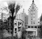 -12 Album met foto's betreffende exterieur en interieur van A. Driessen's Chocoladefabriek aan de Kievitstraat. ...