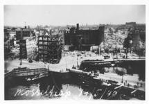 1979-1343 Gezicht in de door het Duitse bombardement van 14 mei 1940 getroffen Oudehaven met de Nieuwehaven en ...