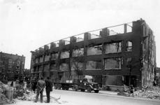 1979-1480 Restanten van huizen aan de Weteringstraat, als gevolg van het Duitse bombardement van 14 mei 1940. Uit het ...