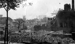 1979-1521 Gezicht op de door het Duitse bombardement van 14 mei 1940 getroffen gebied tussen de Oudedijk en de ...