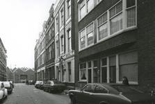 1979-2728 Hotel De Zon op nummer 46 aan de Hendrik de Keyserstraat.