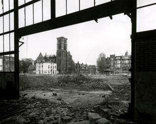 1979-2761 Het half gesloopte gebouw van Jamin aan de Generaal van der Heijdenstraat, hoek Goudse Rijweg en Hugo de ...