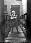 1980-1756 Meisje in de Vissersdijk.