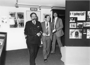 1980-2119 De heer Nicolas, hoofd afdeling voorlichting en PR van het Korps Mariniers, bij de opening van een ...