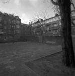 1980-3839 Binnenplein bij het Gemeentelijk badhuis aan de Dijkstraat B VIII 1980.
