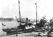 1981-1080 ss Johanna liggend aan de Boompjes.