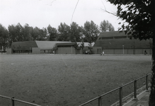 1981-2355 Het Exercitieveld vanaf de Schuttersweg, uit het noordoosten.