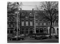 1982-1015-TM-1017 Gezichten op de Mathenesserlaan.Afgebeeld van boven naar beneden:-1005: huisnummers 195-199;-1006: ...