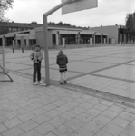 1982-3125 Openbare basisschool Kralingse Werkgemeenschap nummer 7 tot met nummer 9 aan de Assendelftstraat.