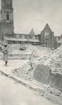 1982-807 Gezicht op de door het Duitse bombardement van 14 mei 1940 getroffen gebied nabij de Grotemarkt met uitzicht ...