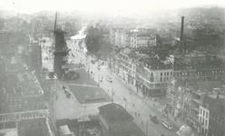 1983-3467 Gezicht op de Coolsingel met korenmolen De Hoop.Op de achtergrond de Schiedamsesingel.