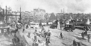 1984-3250 Het Bolwerk, links de Jan Kuitenbrug over de Wijnhaven, rechts de Koningsbrug over de Oudehaven.