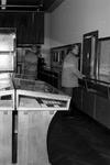 1985-1943-TM-1945 Interieurs van het Gemeentearchief aan de Mathenesserlaan nummer 315. Tentoonstellingszaal met de ...