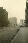 1985-529 Restanten aan de Hofdijk, als gevolg van het Duitse bombardement van 14 mei 1940. Gezien uit het noorden.