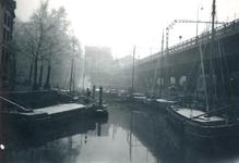 1985-592 Gezicht op de Kolk in de richting van het Beursstation.