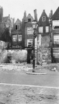 1985-598 Gezicht op het Rodezand. Met deels afgebroken huizen, in verband met het te bouwen stadhuis aan de Coolsingel.