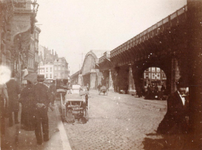 1985-607 Gezicht op de Kolkkade en het Westnieuwland, ten westen van de spoorlijn.