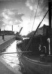 1986-1262 Gezicht op de Coolhaven met binnenvaartschepen, uit oostelijke richting gezien. Op de achtergrond de ...