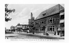 1986-1447 Gezicht op het schoolcomplexen van de christelijke Oranje-Nassauscholen en de rooms-katholieke HBS aan de ...